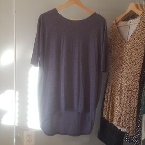 Solid Irma Lularoe tunic top in great condition